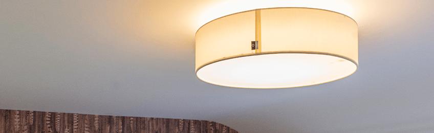 Lampy sufitowe w pokoju dziecięcym
