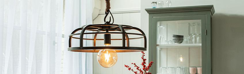 Wiejskie lampy wiszące