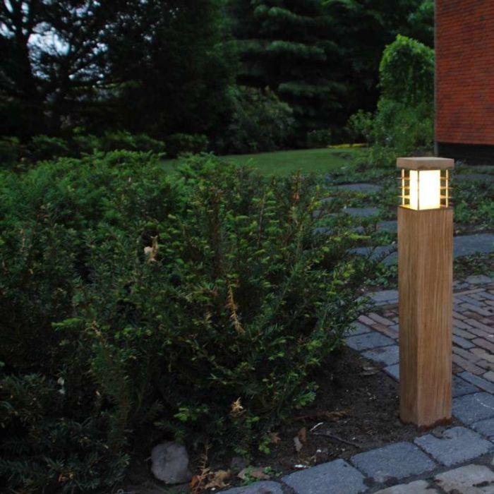 Lampa-zewnętrzna-Colin-Square-drewno-tekowe