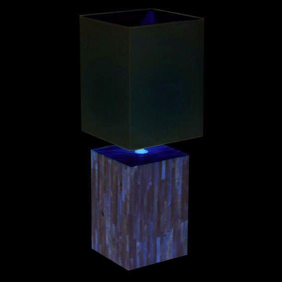 Lampa-stołowa-Pearl-biały-klosz