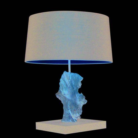 Lampa-stołowa-Suchin-naturalna-z-czarnym-kloszem
