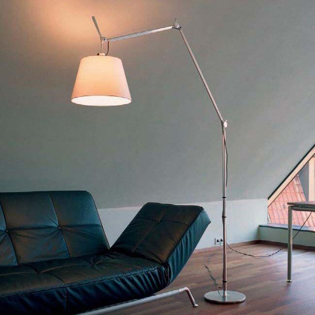 Lampa-podłogowa-aluminium-klosz-pergaminowy---Artemide-Tolomeo-Mega-Terra