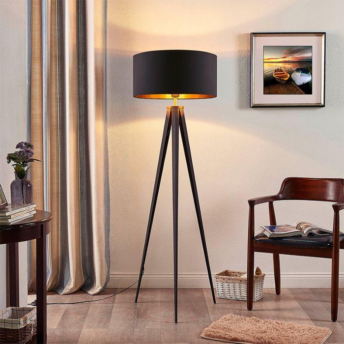 Statywowa-lampa-stojąca-z-czarnym-kloszem-ze-złotym-wnętrzem---Benik