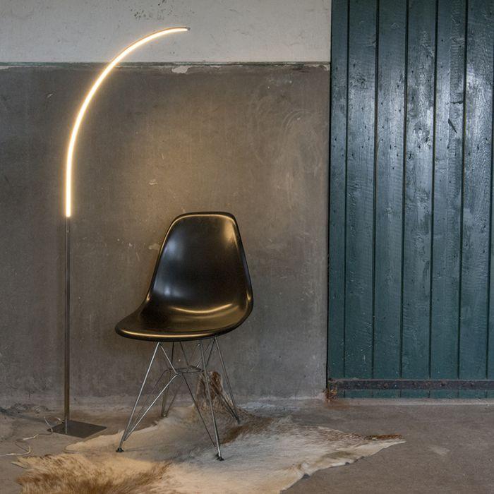 Nowoczesna-lampa-stojąca-ze-stali,-w-tym-LED-i-3-stopniowy-ściemniacz---stylowy