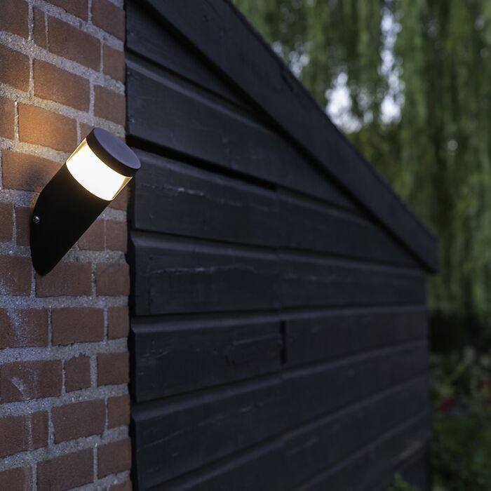 Nowoczesny-skośny-kinkiet-zewnętrzny-czarny-zawiera-LED---Prim